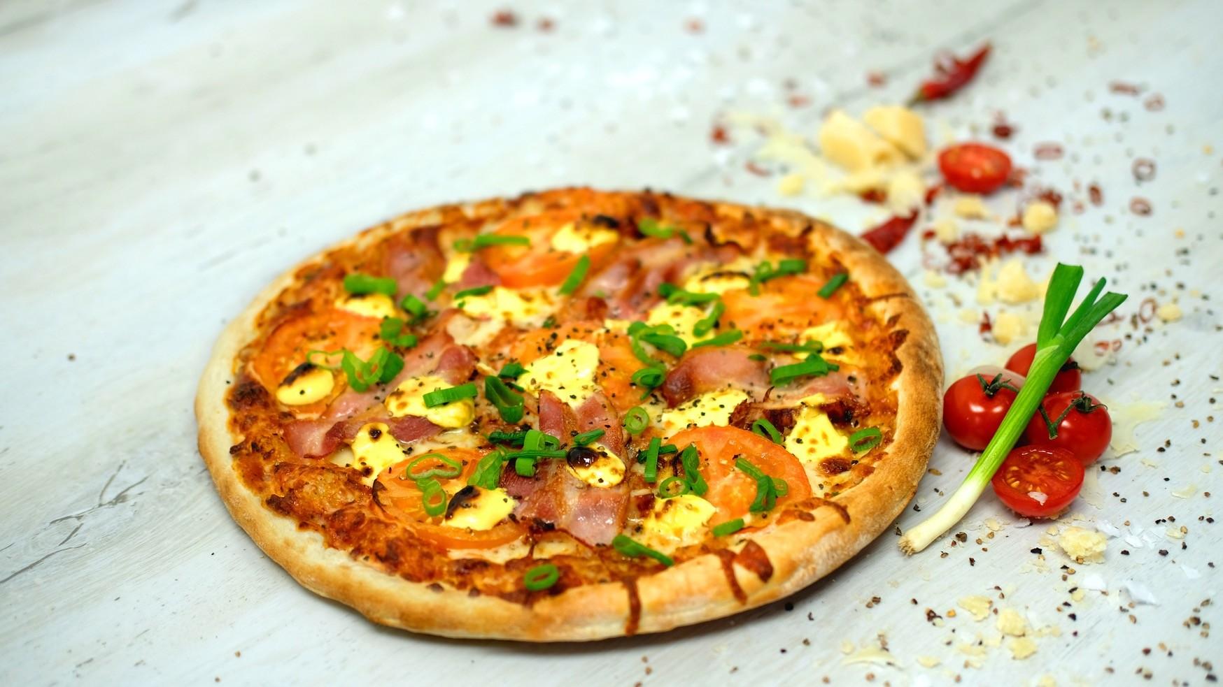 Pizza Prosciutto e Pollo